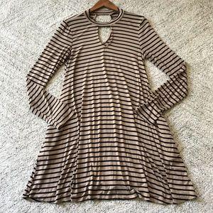 Hem & Thread Keyhole Striped Tunic Dress